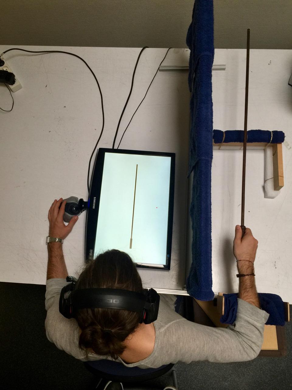 Perception étendue par les outils : dispositif expérimental (photo : DR)