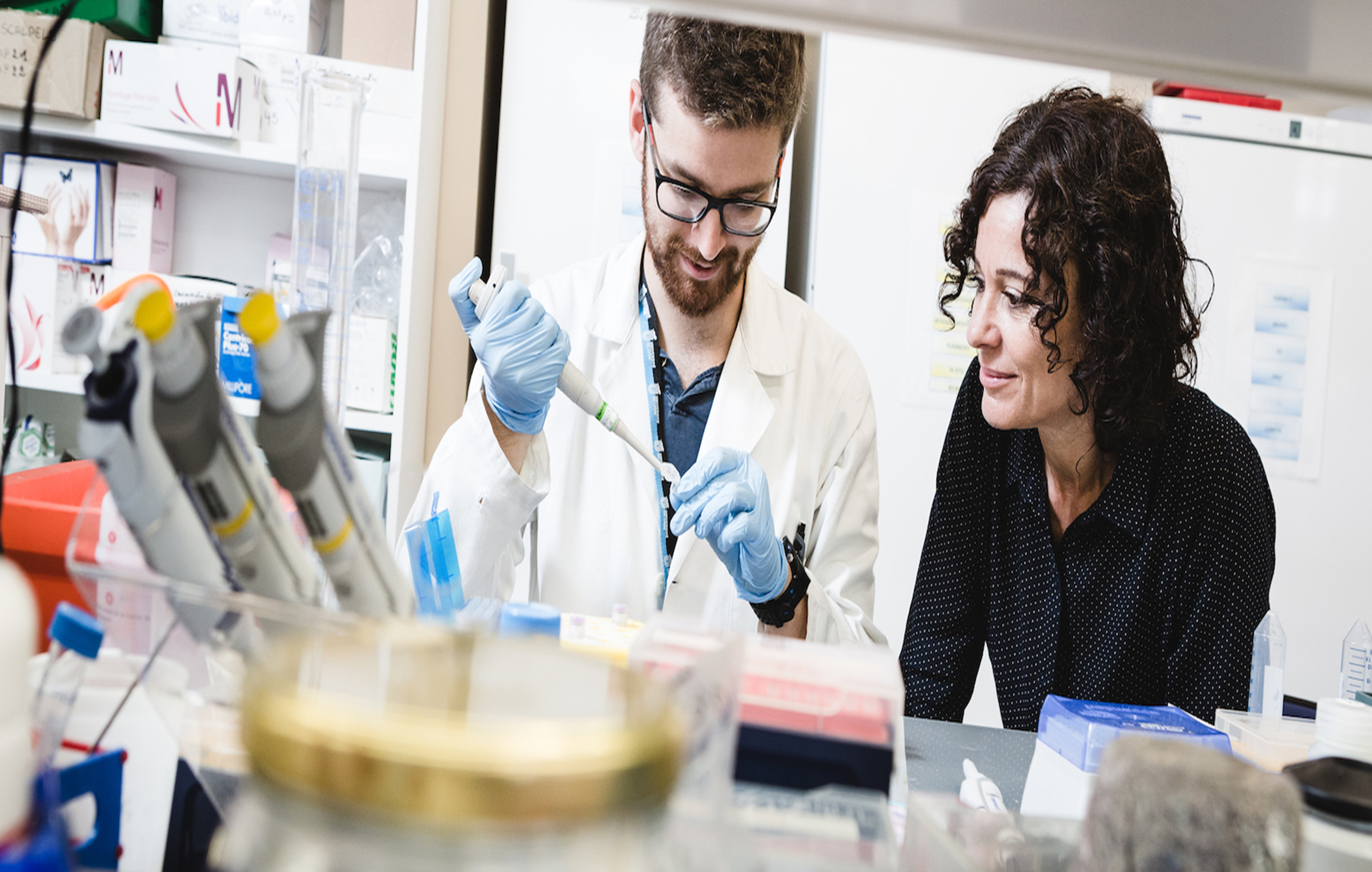 Chercheuse en neurobiologie du développement à l'Institut NeuroMyoGène de Lyon, Valérie Castellani vient de recevoir la médaille de l'innovation du CNRS (photo : Frédérique Plas / INMG / Photothèque).