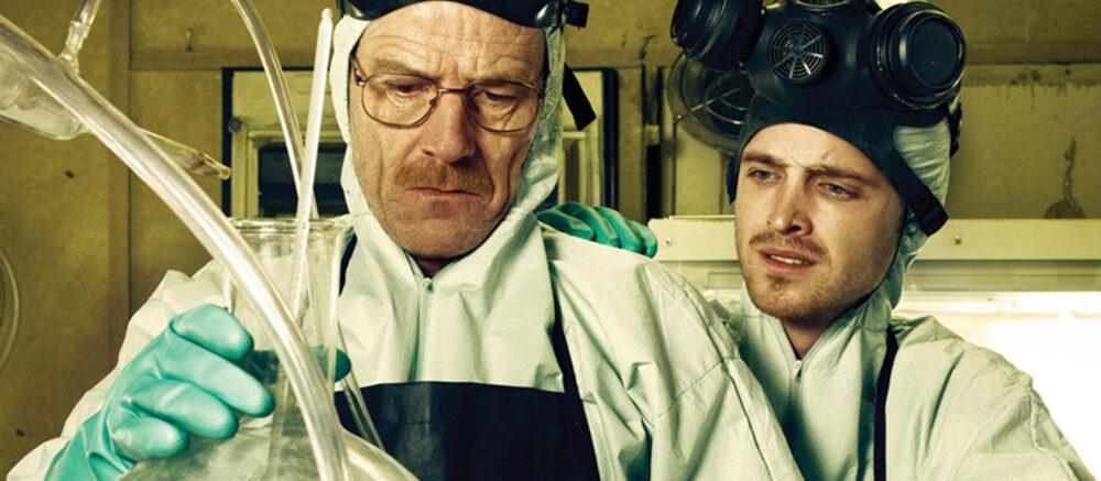 Walt White et Jesse Pinkman, héros de la série Breaking Bad : comment un prof de chimie devient un fabricant de métamphétamine (©AMC)