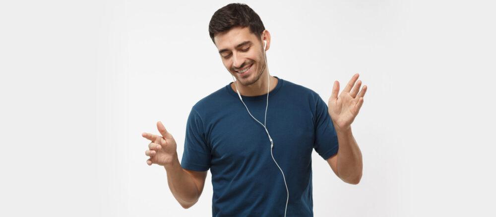 Pourquoi notre cerveau est meilleur pour traiter le langage après avoir entendu séquence rythmée.