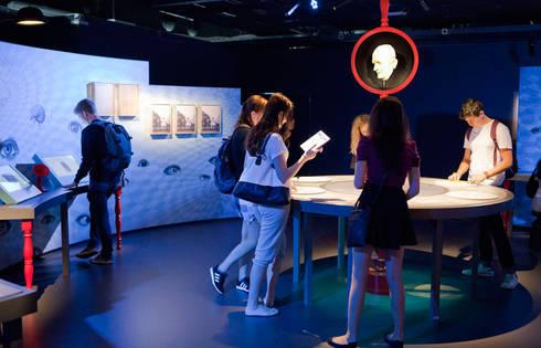 C3RV34U, l'exposition neurologique, Cité des sciences, Paris.