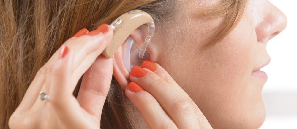 Entendre à nouveau : mplants auditifs et plasticité cérébrale